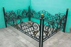 Кованая могильная ограда дизайн МОК-002