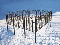 Кованая могильная ограда дизайн МОК-009