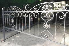 Кованая могильная ограда дизайн МОК-019