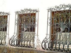 Кованые решетки на окна дизайн КР 007