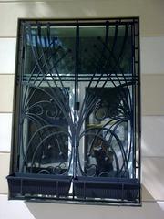 Кованые решетки на окна дизайн КР 011