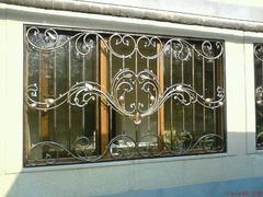 Кованые решетки на окна дизайн КР 019