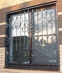 Кованые решетки на окна дизайн КР 020