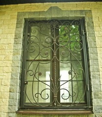 Кованые решетки на окна дизайн КР 024