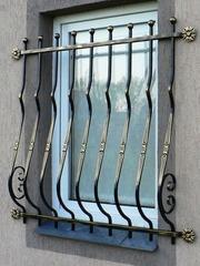 Кованые решетки на окна дизайн КР 025