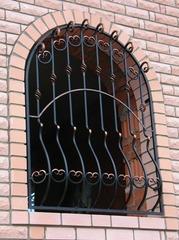 Кованые решетки на окна дизайн КР 026