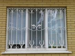 Кованые решетки на окна дизайн КР 030