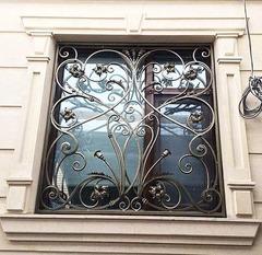 Кованые решетки на окна дизайн КР 033