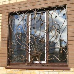 Кованые решетки на окна дизайн КР 035