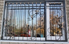 Кованые решетки на окна дизайн КР 042