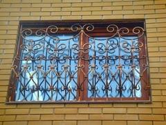 Кованые решетки на окна дизайн КР 053