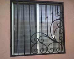 Кованые решетки на окна дизайн КР 062