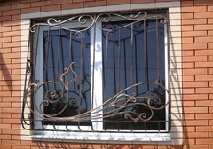 Кованые решетки на окна дизайн КР 067