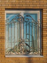Кованые решетки на окна дизайн КР 075