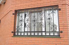 Кованые решетки на окна дизайн КР 081