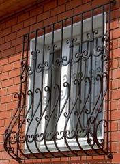 Кованые решетки на окна дизайн КР 088