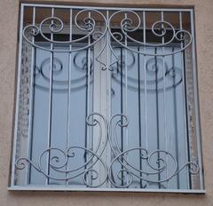 Кованые решетки на окна дизайн КР 091