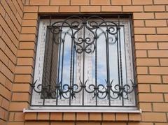 Кованые решетки на окна дизайн КР 092