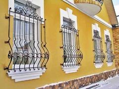 Кованые решетки на окна дизайн КР 098